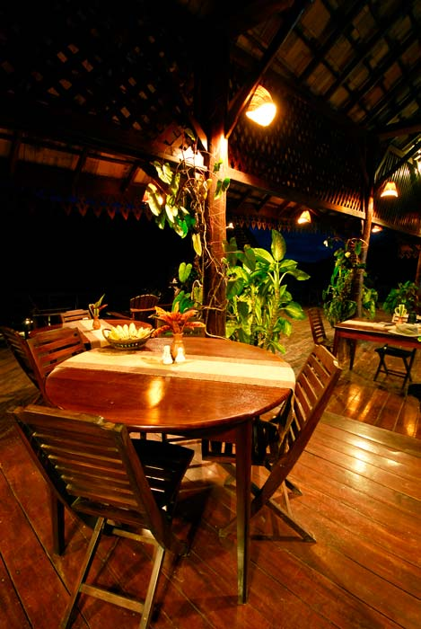 lodges_restaurant_night_1_laos