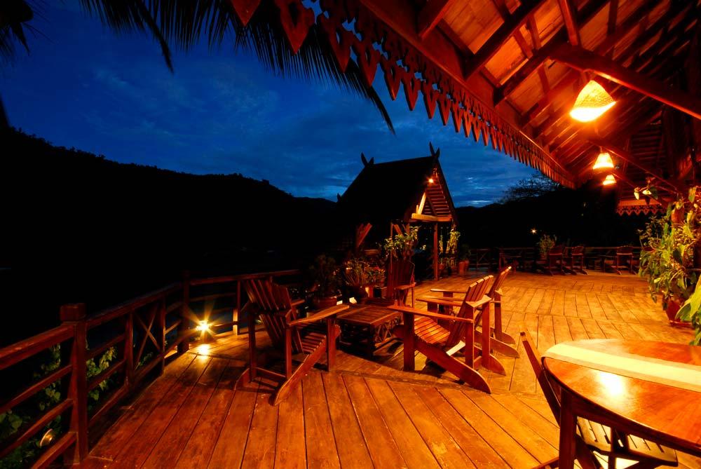 lodges_restaurant_night_4_laos