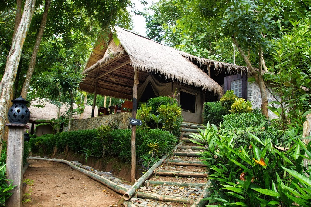 Kamu-Lodge-Laos-exterior-1024x683