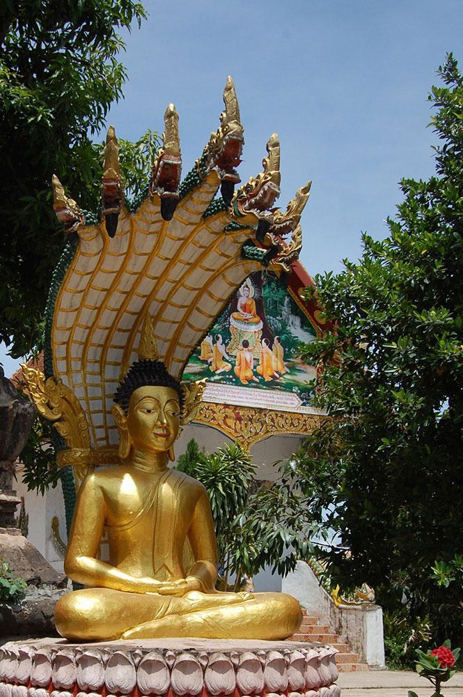 7_Kenthao_VatSiphoun_Buddha_front